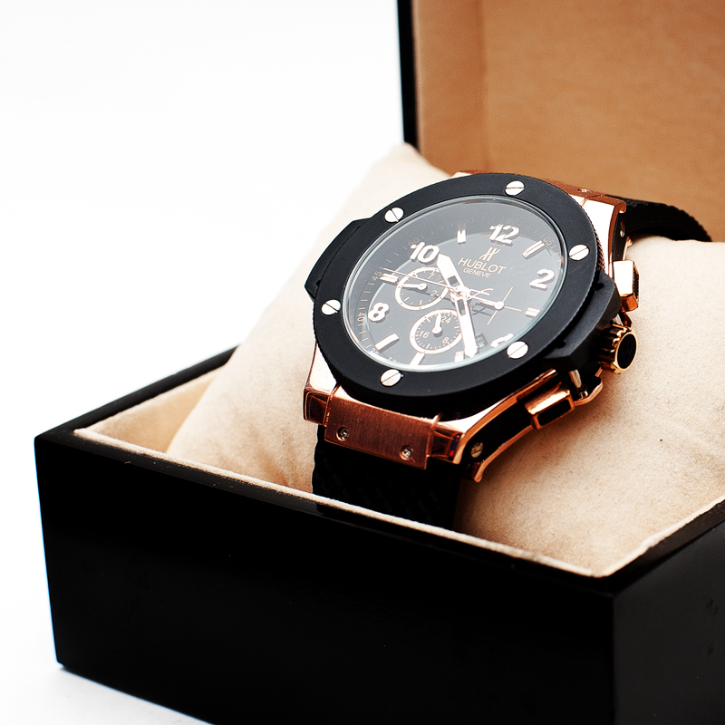 Часы мужчине в подарок